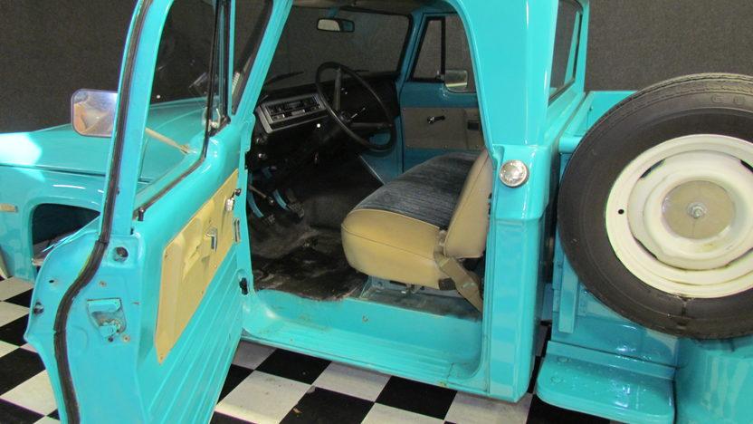 1970 Dodge  Pickup 5.3L, Automatic presented as lot T115 at Kansas City, MO 2011 - image4