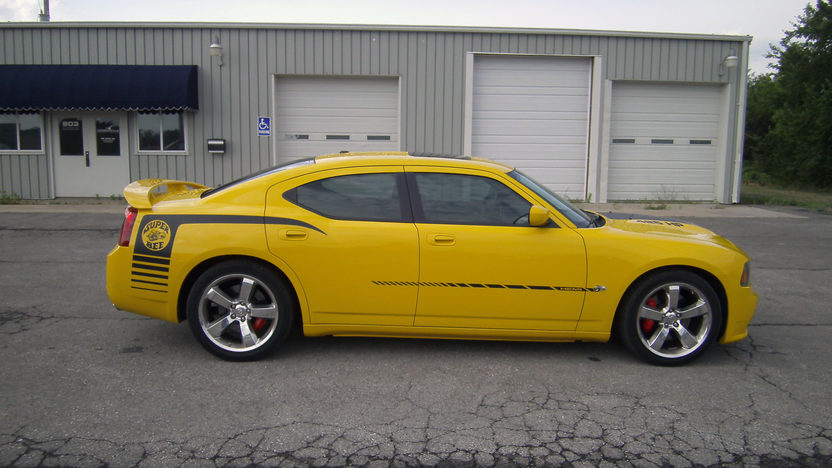 2007 Dodge Charger SRT8 Super Bee 370/425 HP, Automatic presented as lot T118 at Kansas City, MO 2011 - image2
