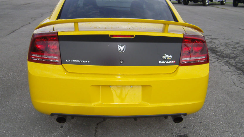 2007 Dodge Charger SRT8 Super Bee 370/425 HP, Automatic presented as lot T118 at Kansas City, MO 2011 - image7