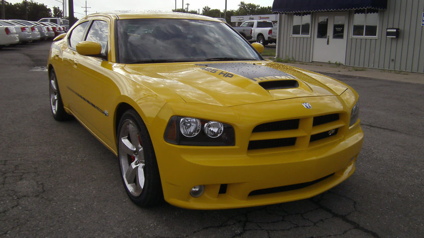 2007 Dodge Charger SRT8 Super Bee 370/425 HP, Automatic presented as lot T118 at Kansas City, MO 2011 - image8