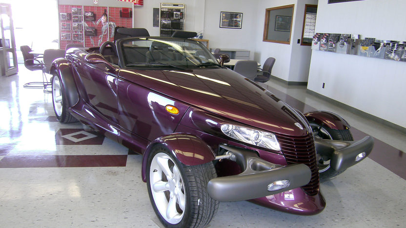 1997 Plymouth Prowler 3.5L, Automatic presented as lot T119 at Kansas City, MO 2011 - image8