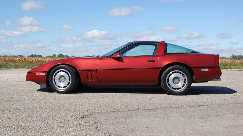 1987 Chevrolet Corvette Coupe 5.7L, Automatic presented as lot T121 at Kansas City, MO 2011 - image2