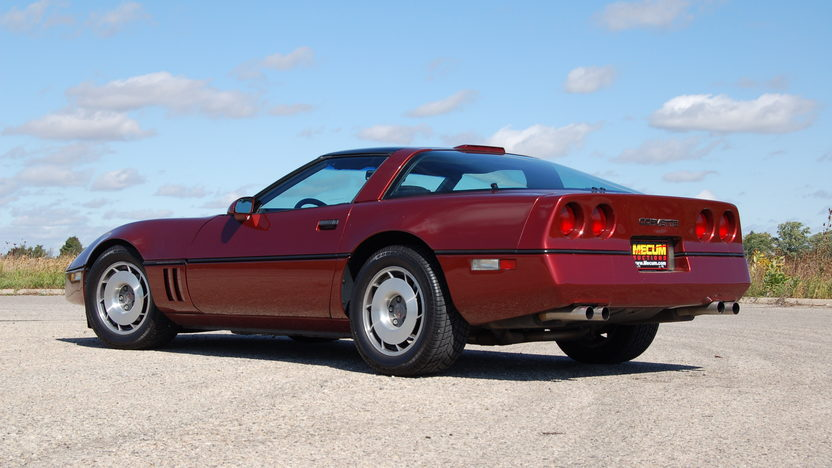 1987 Chevrolet Corvette Coupe 5.7L, Automatic presented as lot T121 at Kansas City, MO 2011 - image3