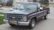 1986 Chevrolet Silverado Pickup presented as lot T131 at Kansas City, MO 2011 - thumbail image2