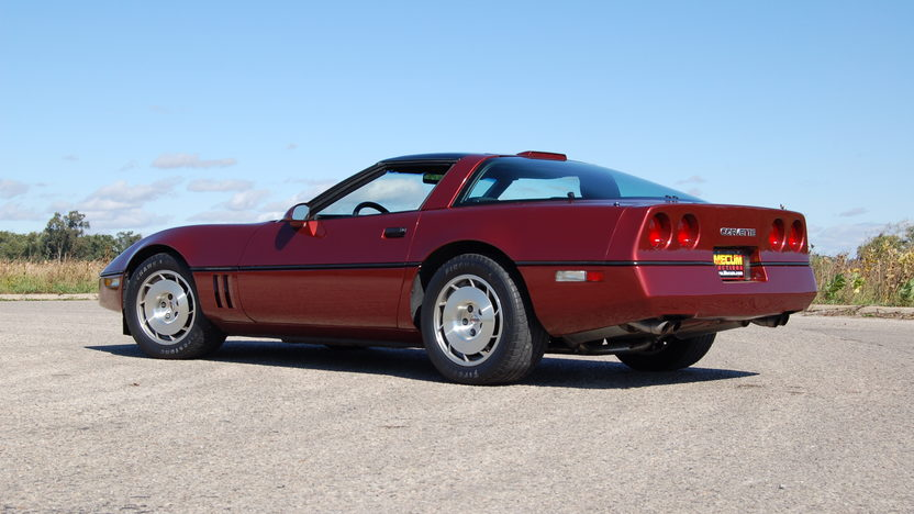 1986 Chevrolet Corvette Coupe 5.7L, 4-Speed presented as lot T135 at Kansas City, MO 2011 - image2