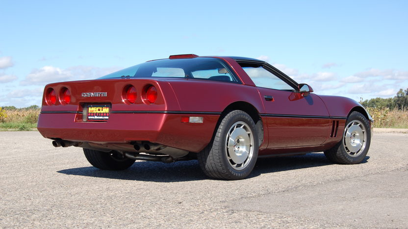 1986 Chevrolet Corvette Coupe 5.7L, 4-Speed presented as lot T135 at Kansas City, MO 2011 - image3