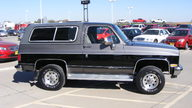 1990 Chevrolet K5 Blazer 350 CI, Automatic presented as lot T155 at Kansas City, MO 2011 - thumbail image3