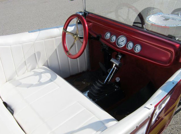 1927 Ford T-Bucket 400 CI, Automatic presented as lot T159 at Kansas City, MO 2011 - image4