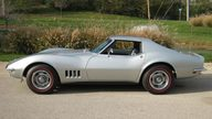 1968 Chevrolet Corvette Coupe 327/300 HP, Automatic presented as lot T173 at Kansas City, MO 2011 - thumbail image2