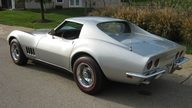 1968 Chevrolet Corvette Coupe 327/300 HP, Automatic presented as lot T173 at Kansas City, MO 2011 - thumbail image3