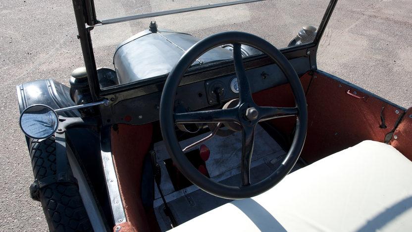 1925 Ford Model T Pickup Manual presented as lot T181 at Kansas City, MO 2011 - image5