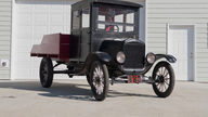 1924 Ford Model T Pickup presented as lot T185 at Kansas City, MO 2011 - thumbail image2