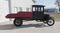 1924 Ford Model T Pickup presented as lot T185 at Kansas City, MO 2011 - thumbail image4