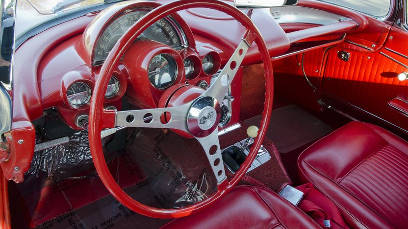 1962 Chevrolet Corvette 327/300 HP, 4-Speed presented as lot S82.1 at Kansas City, MO 2011 - image5