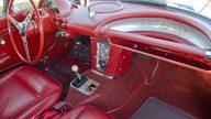 1962 Chevrolet Corvette 327/300 HP, 4-Speed presented as lot S82.1 at Kansas City, MO 2011 - thumbail image4