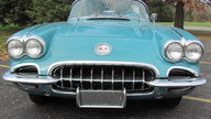 1960 Chevrolet Corvette Convertible presented as lot T211 at Kansas City, MO 2011 - thumbail image2