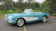 1960 Chevrolet Corvette Convertible presented as lot T211 at Kansas City, MO 2011 - thumbail image5