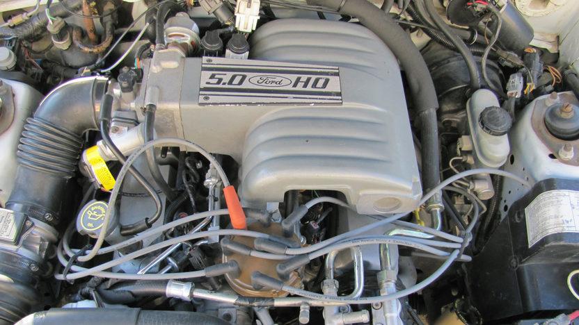1989 Ford Mustang LX Convertible 5.0L, Automatic presented as lot T215 at Kansas City, MO 2011 - image4