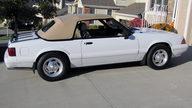 1989 Ford Mustang LX Convertible 5.0L, Automatic presented as lot T215 at Kansas City, MO 2011 - thumbail image2