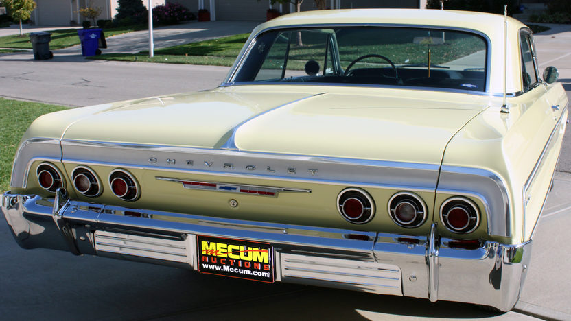 1964 Chevrolet Impala 2-Door Hardtop 350/300 HP, 4-Speed presented as lot T216 at Kansas City, MO 2011 - image3