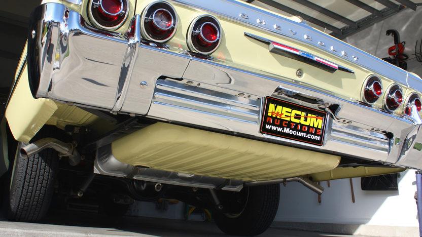 1964 Chevrolet Impala 2-Door Hardtop 350/300 HP, 4-Speed presented as lot T216 at Kansas City, MO 2011 - image7