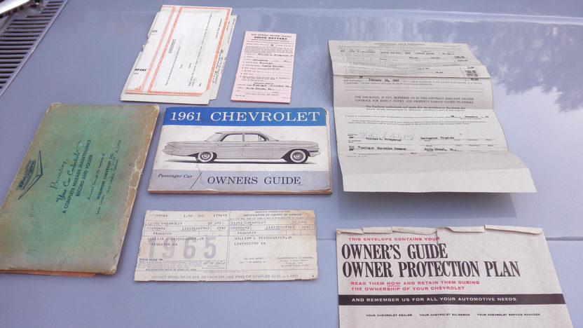 1961 Chevrolet Impala Bubble Top 409/350 HP, 4-Speed presented as lot T219 at Kansas City, MO 2011 - image7