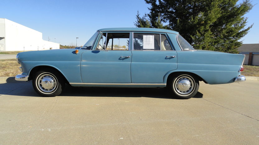 1966 Mercedes-Benz 190 DC 4-Door presented as lot T232 at Kansas City, MO 2011 - image4