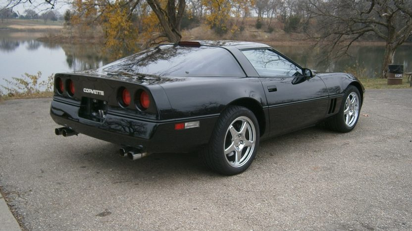 1989 Chevrolet Corvette 350 CI, Automatic presented as lot T233 at Kansas City, MO 2011 - image2