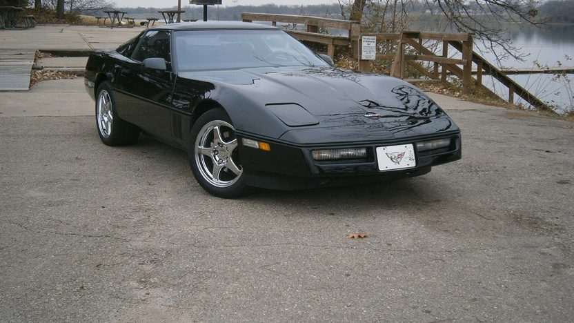 1989 Chevrolet Corvette 350 CI, Automatic presented as lot T233 at Kansas City, MO 2011 - image7