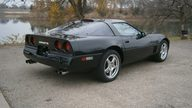 1989 Chevrolet Corvette 350 CI, Automatic presented as lot T233 at Kansas City, MO 2011 - thumbail image2