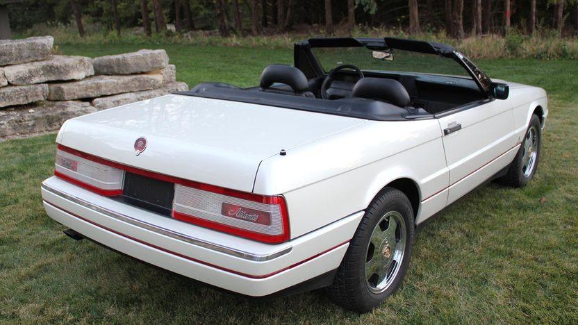 1990 Cadillac Allante 2-Door presented as lot T240 at Kansas City, MO 2011 - image2
