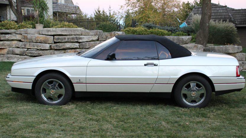 1990 Cadillac Allante 2-Door presented as lot T240 at Kansas City, MO 2011 - image6