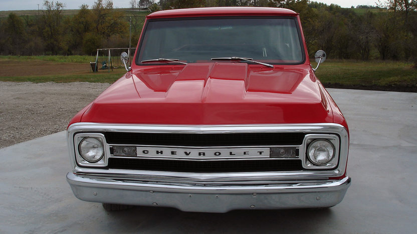 1969 Chevrolet C10 Pickup presented as lot T244 at Kansas City, MO 2011 - image3