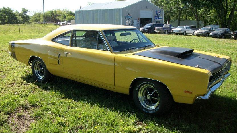 1969 Dodge Super Bee presented as lot F11 at Kansas City, MO 2011 - image8