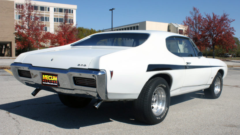 1968 Pontiac GTO 400 CI, Automatic presented as lot F18 at Kansas City, MO 2011 - image3