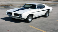 1968 Pontiac GTO 400 CI, Automatic presented as lot F18 at Kansas City, MO 2011 - thumbail image8