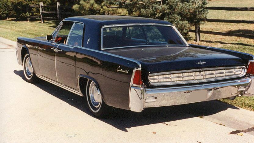 1963 Lincoln Continental 4-Door Sedan 430 CI, Automatic presented as lot F20 at Kansas City, MO 2011 - image2