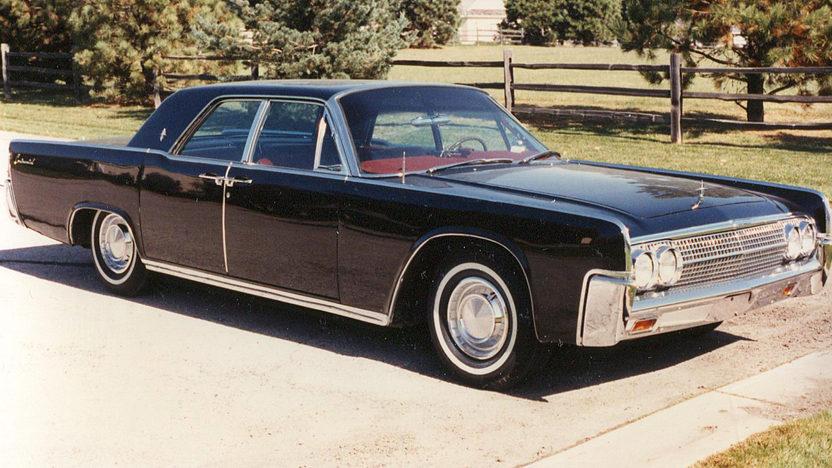 1963 Lincoln Continental 4-Door Sedan 430 CI, Automatic presented as lot F20 at Kansas City, MO 2011 - image3