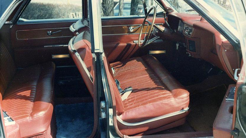 1963 Lincoln Continental 4-Door Sedan 430 CI, Automatic presented as lot F20 at Kansas City, MO 2011 - image5