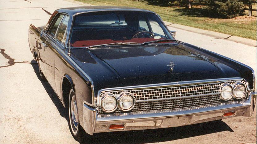 1963 Lincoln Continental 4-Door Sedan 430 CI, Automatic presented as lot F20 at Kansas City, MO 2011 - image6