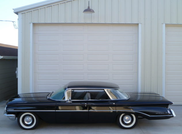 1960 Oldsmobile Dynamic 88 371 CI, Automatic presented as lot F23 at Kansas City, MO 2011 - image2