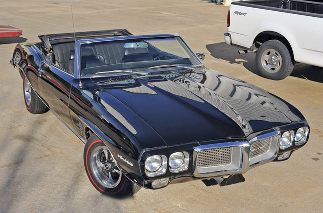 1969 Pontiac Firebird Convertible 350 CI, Automatic presented as lot F35 at Kansas City, MO 2011 - image3
