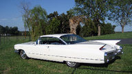 1960 Cadillac Coupe Deville Coupe Automatic presented as lot F39 at Kansas City, MO 2011 - thumbail image7