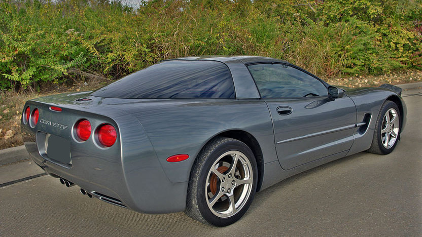 2004 Chevrolet Corvette Coupe LS1, Automatic presented as lot F45 at Kansas City, MO 2011 - image2