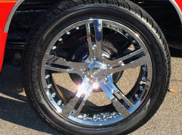 1990 Chevrolet Silverado Pickup 350 CI, Automatic presented as lot F54 at Kansas City, MO 2011 - image5