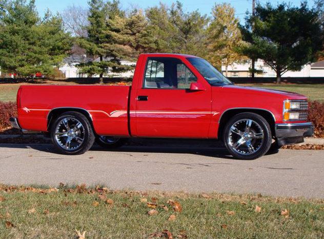1990 Chevrolet Silverado Pickup 350 CI, Automatic presented as lot F54 at Kansas City, MO 2011 - image8