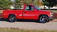 1990 Chevrolet Silverado Pickup 350 CI, Automatic presented as lot F54 at Kansas City, MO 2011 - thumbail image8