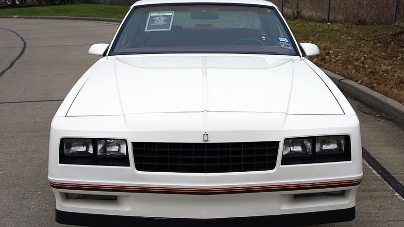 1987 Chevrolet Monte Carlo SS presented as lot F62 at Kansas City, MO 2011 - image2