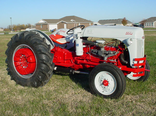 1952 Ford 8N Tractor Manual presented as lot F64 at Kansas City, MO 2011 - image4