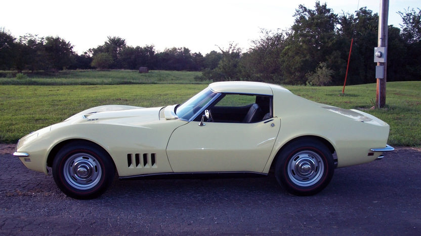 1968 Chevrolet Corvette Coupe 427/400 HP, 4-Speed presented as lot F67 at Kansas City, MO 2011 - image7
